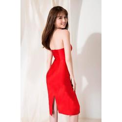 Đầm ống đỏ ôm body thiết kế đơn giản như Ngọc Trinh