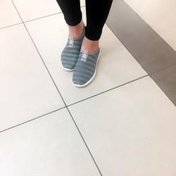 Giày lưới siêu nhẹ, thoáng chân, trẻ trung, năng động