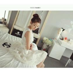 Đầm ren trắng công chúa