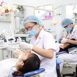 Nhổ răng số 8 an toàn nhẹ nhàng và không đau tại Nha khoa Ngân Phượng
