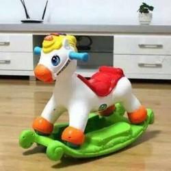 ngựa bập bênh kiêm xe đẩy