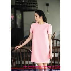 Đầm suông tay con màu hồng dễ thương như Hà Tăng DSV125