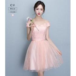 Đầm ren công chúa trễ vai