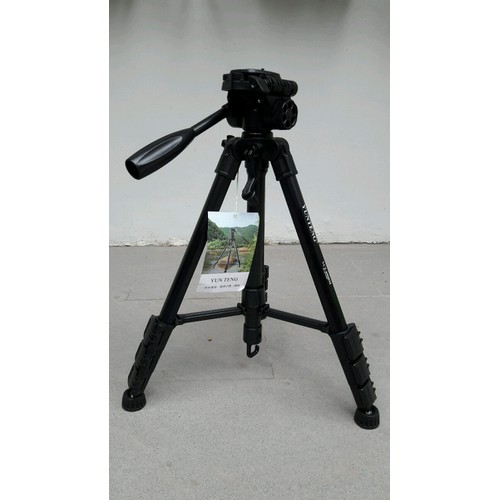 Chân máy ảnh chuyên nghiêp YT690 - tripod - hỗ trợ quay phim siêu mượt - 4279870 , 5661938 , 15_5661938 , 600000 , Chan-may-anh-chuyen-nghiep-YT690-tripod-ho-tro-quay-phim-sieu-muot-15_5661938 , sendo.vn , Chân máy ảnh chuyên nghiêp YT690 - tripod - hỗ trợ quay phim siêu mượt