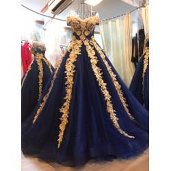 váy cưới chụp ngoại cảnh, xoè tùng to