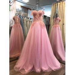 áo cưới màu hồng, kiểu dáng hot được chuộng cho hè 2017