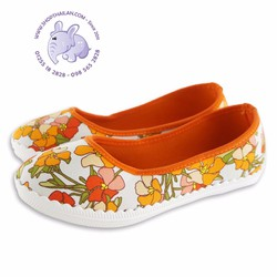 Giày bít bé gái. Made in Thailand