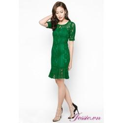 Đầm ôm ren xanh lá, tay lỡ, đuôi cá.
