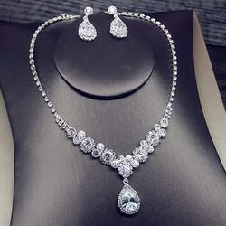 Bộ trang sức dây chuyền bông tai cô dâu BHB1