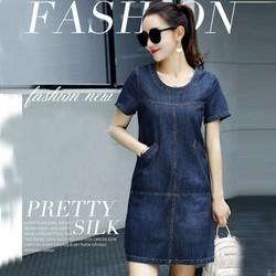 Đầm jean suông cổ tròn phối túi thời trang - RMS01542
