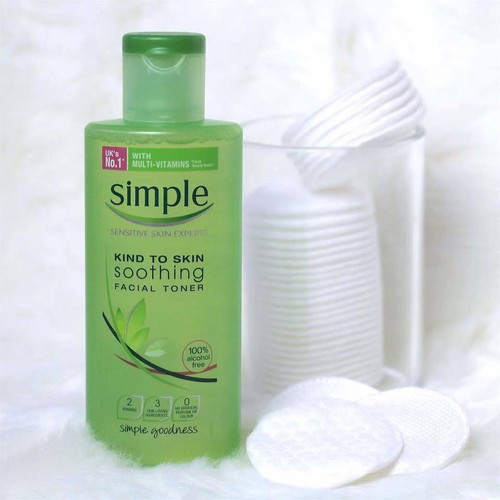 Nước hoa hồng Simple Kind To Skin Soothing Facial Toner - 4286042 , 5707135 , 15_5707135 , 180000 , Nuoc-hoa-hong-Simple-Kind-To-Skin-Soothing-Facial-Toner-15_5707135 , sendo.vn , Nước hoa hồng Simple Kind To Skin Soothing Facial Toner