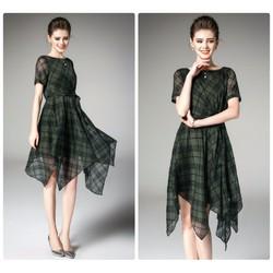 Đầm xòe sọc cách điệu