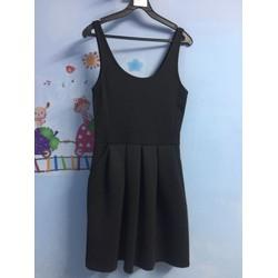 Si: Đầm xoè đen