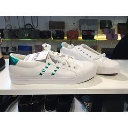 Giày thể thao nam màu trắng