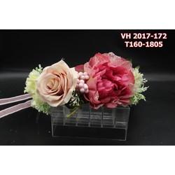 Vòng hoa cô dâu với màu sắc đẹp tự nhiên