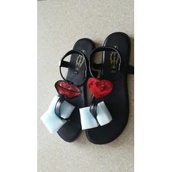 Giày Sandal kẹp tim môi
