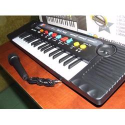 Đàn piano có mic