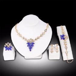 Bộ trang sức hoa lá pha lê lấp lánh sang trọng