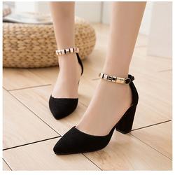 Giày cao gót đính ngọc