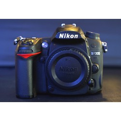 Máy ảnh Nikon DSLR D7000 body qua sử dụng
