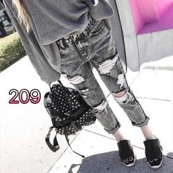 quần baggy jeans rách đen đá