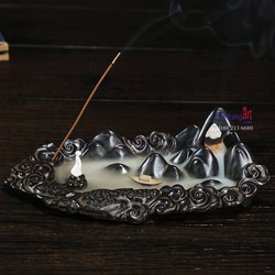 Thác khói trầm hương Hồ trên núi
