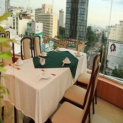 HCM - Vịt quay Bắc Kinh buổi tối tại Nhà hàng Xoay duy nhất Việt Nam