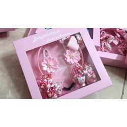 Set quà tặng handmade cho bé nhiều màu