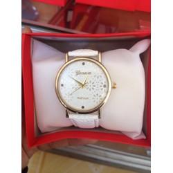 Sale off Đồng hồ dây da nữ Geneva trắng mặt hoa, thời trang Cần Thơ