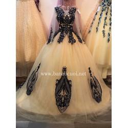 áo cưới tùng to cao cấp, tay dài, kem pha ren màu đậm nổi bật