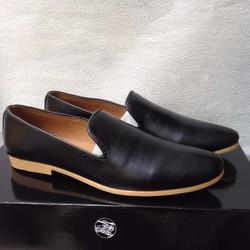 Giày tây nam da đen trơn đế cao su vàng