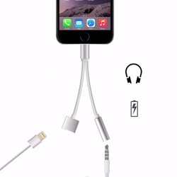 Cáp chia tai nghe và sạc iphone