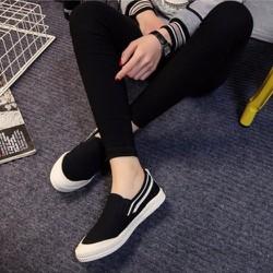 giày slip on mềm nhẹ