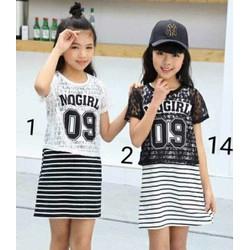 Set váy cotton sát nách+ áo ren crop top bé gái