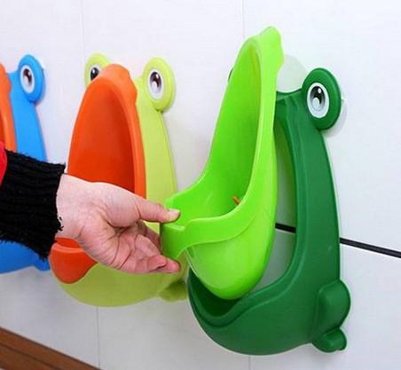 Bô tiểu gắn tường Colorful (ếch con) màu xanh lá bắt mắt