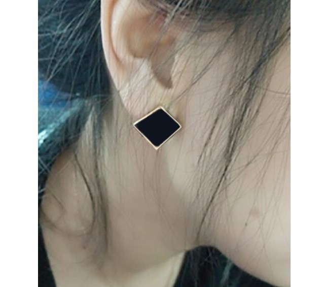 Bông Tai Ti Tan Ko đen TT 0552 5