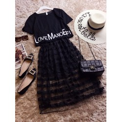 Đầm giả set maxi chân lưới sọc ngang đen và áo gấu in chữ