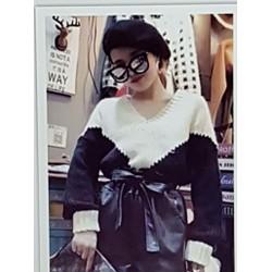Bộ áo quần nữ thiết kế cá tính, phong cách sành điệu.