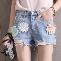 Quần short jeans was rách hoa cúc