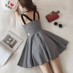 Đầm xòe caro dây lưng cut-out eo