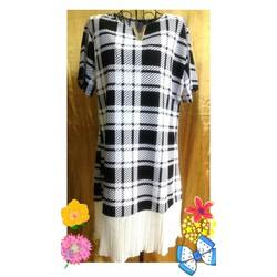 Đầm Thái Lan sọc caro trắng đen đuôi xòe trắng