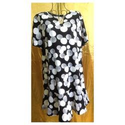 Đầm Thái Lan đen chấm bi trắng đuôi xòe