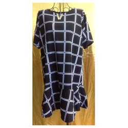 Đầm Thái Lan đen sọc caro trắng đuôi xòe