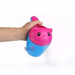 Cốc tắm cho bé an toàn tiện dụng