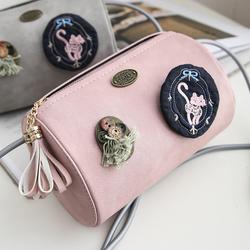 Túi xách nữ dáng tròn kết hoa văn siêu đáng yêu màu hồng