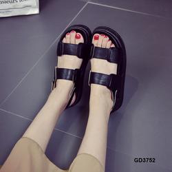 Giày sandal nữ quai ngang năng động