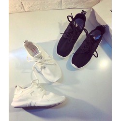 Giày thể thao vải mềm