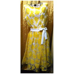 Đầm vải lưới midi Thái Lan hoa vàng sát nách buộc nơ
