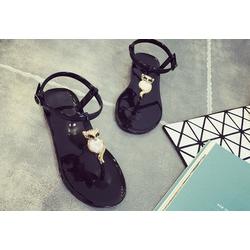 Giày nhựa sandal cho bạn thoải mái trong mùa mưa