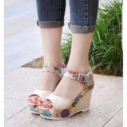 Giày đế xuồng quai hoa cực xinh